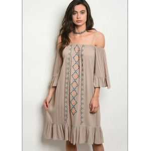 Dresses & Skirts - 🔴🆑🔖Vtg look Boho cold shoulder dress